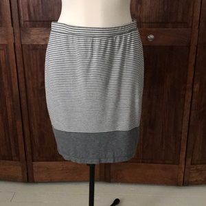 Grey and cream jersey pencil skirt by Max Studio